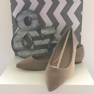 NWT Banana Republic Tan Suede Flats